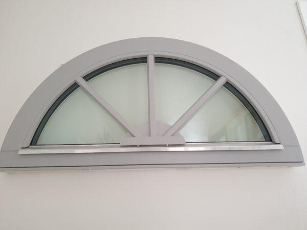 priser halvrunda fönster
