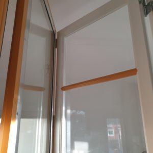 spröjs kopplade fönster